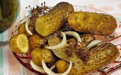 Стерилизирани кисели краставички