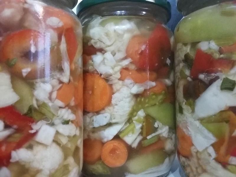 Туршия мариновани зеленчуци